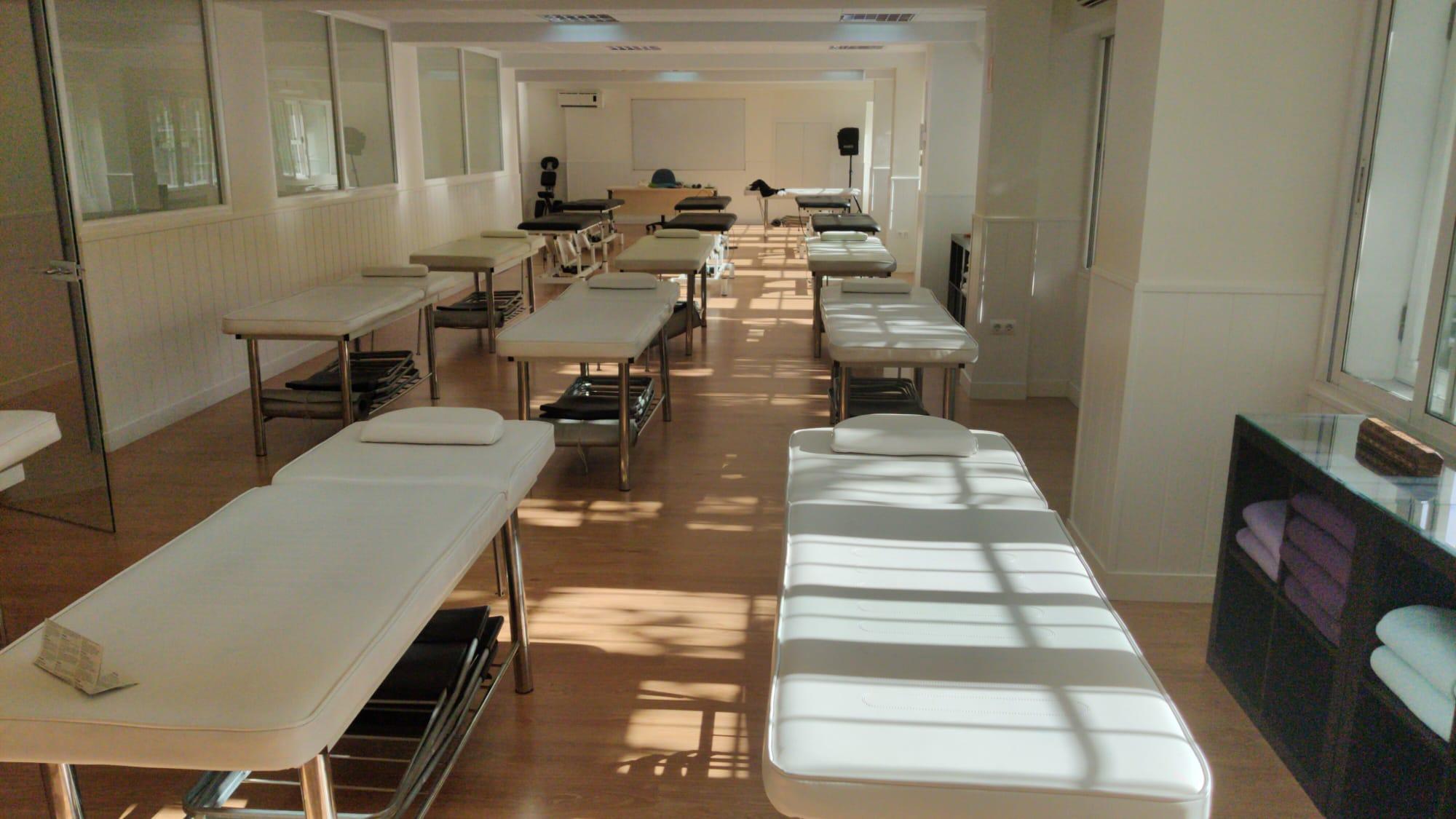 Instituto Superior de Estudios Holísticos